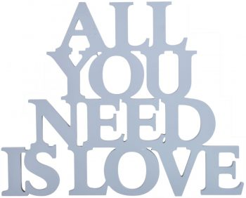 text pentru decor all you need is love