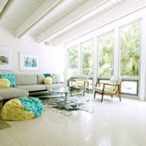 beach-style-living-room-633x409
